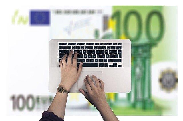 Geld verdienen mit dem Laptop ist möglich – hier erfahren Sie wie